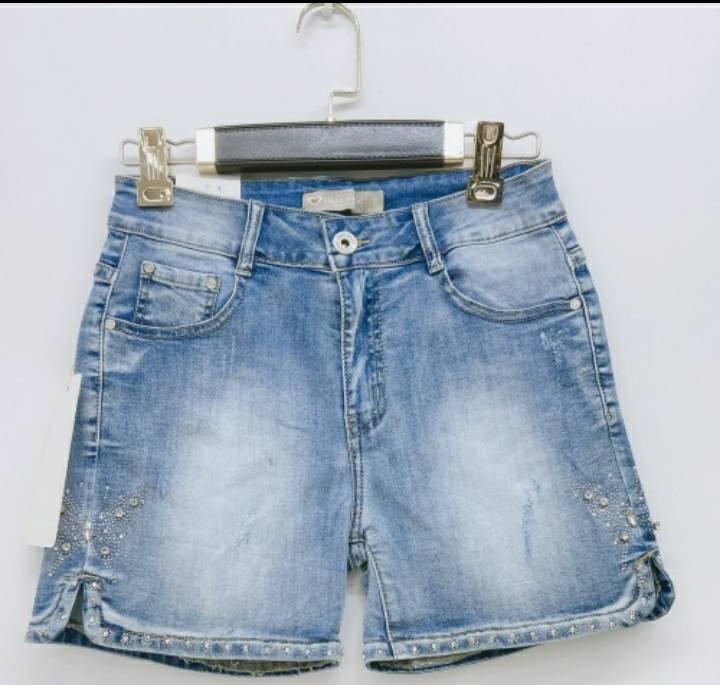 shorts-con-farfalla