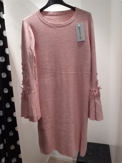 sweater-dress-with-flowers