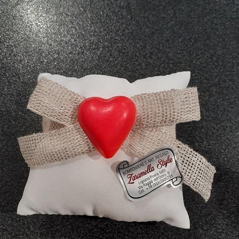 sacchetto-con-cuore-in-sapone-vaniglia