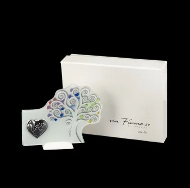 tree-of-life-18-years-free-standing-with-heart-and-box-application