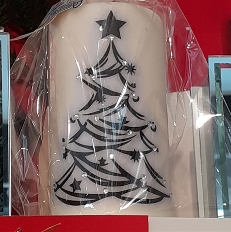 personalized-candle-with-christmas-tree